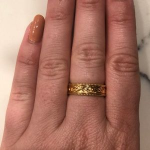 Jewelry - Gold plated band